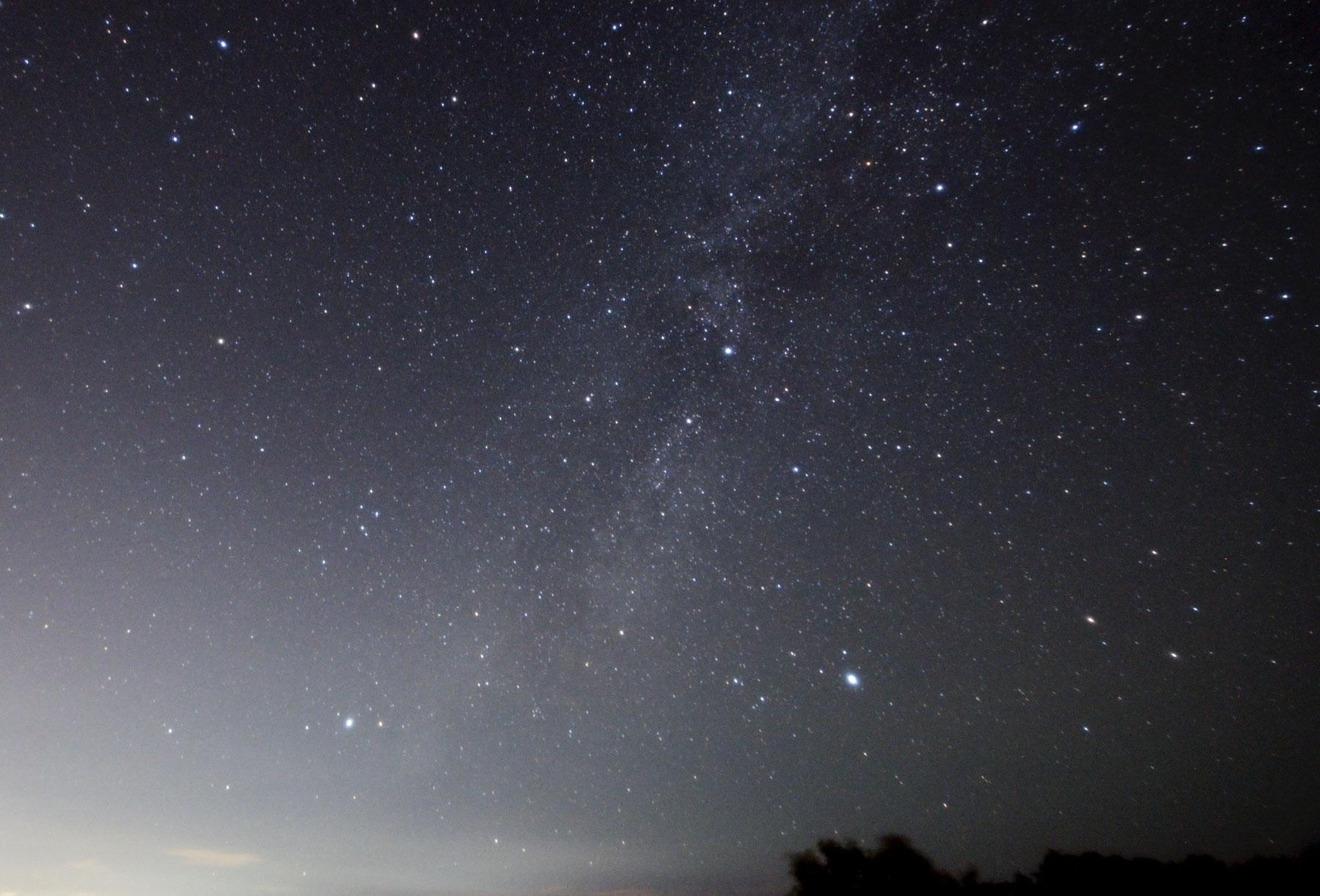 【2021年】7月7日は七夕!こと座のベガ(おり姫星)と、わし座のアルタイル(ひこ星)を見つけよう!